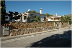 Furnished Villa For Sale in Cala Blanca